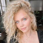 Мария Ивакова: как пришла в индустрию моды и телевидение и о чем рассказывает в своем блоге