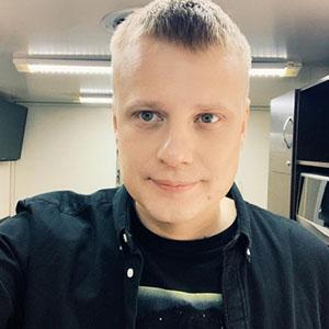 Инстаграм Славы Комиссаренко