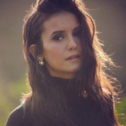Нина Добрев